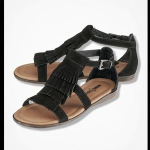 Minnetonka Black Fringe Sandals. Size 7